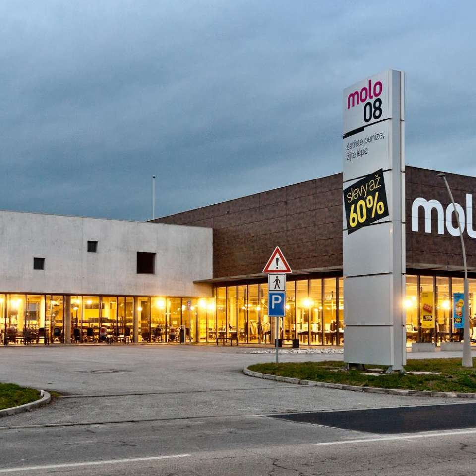 Usage: Commercial,Area: 3554m²,Country: Czech Republic