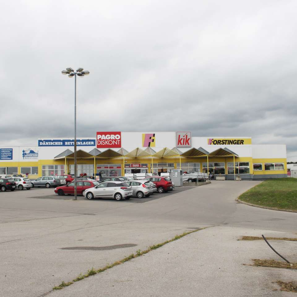 Usage: Commercial,Area: 4000m²,Country: Austria