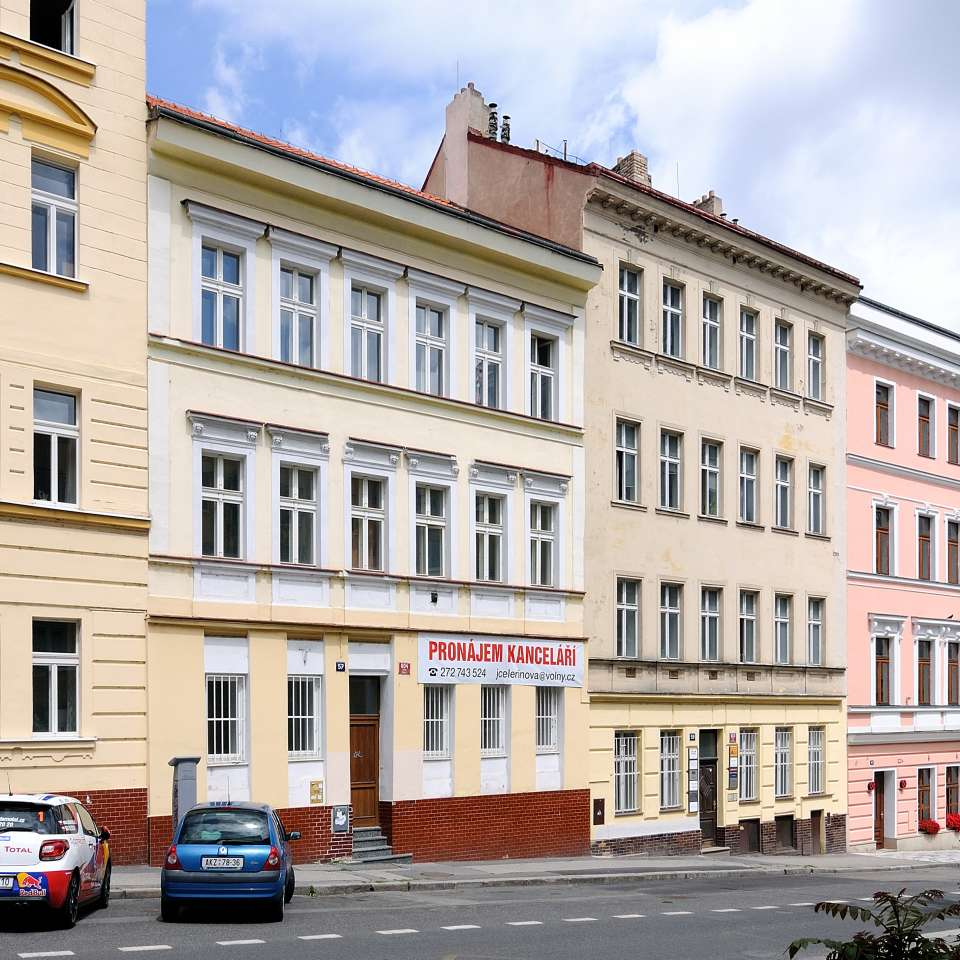 Usage: Commercial,Area: 657m²,Country: Czech Republic